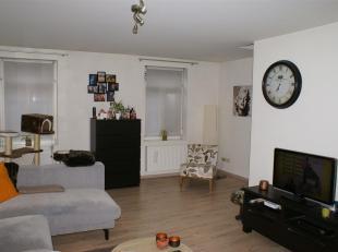 Mooi duplex-appartement met 2 slaapkamers en terras in het centrum van Zoutleeuw, vlakbij verbindingsweg Sint-Truiden - Tienen.