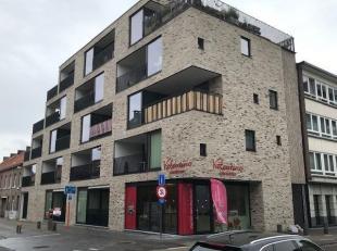 Luxueus afgewerkt appartement met één slaapkamer gelegen aan kleine ring en op wandelafstand van het commerciële stadscentrum, even