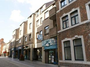 Studio met 1 slaapkamer in het stadscentrum van Sint-Truiden, vlakbij de Grote Markt en op wandelafstand van het station.<br /> De algemene onkosten v