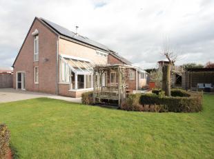 Instapklare ruime gezinswoning met zonnepanelen<br /> - bewoonbare oppervlakte: 265m²<br /> - perceeloppervlakte: 943m²<br /> - 4 slaapkamer