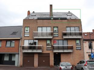 Duplex-appartement met 2 slaapkamers gelegen in het centrum van Alken.<br /> <br /> De indeling van dit pand is als volgt : inkomhal, living, keuken,