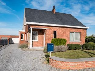 Rustig gelegen open bebouwing met 3 slaapkamers, grote tuin en garage. <br />