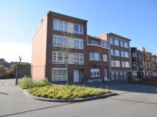 Leuk appartement in het centrum van Landen, in een rustige straat en toch vlakbij de verbindingsweg naar de E40. Het appartement is keurig onderhouden