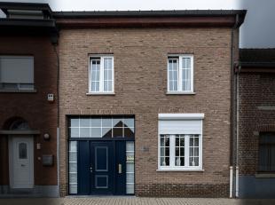 In de Schipstraat ter hoogte van nummer 34 vinden we deze instapklare woning terug. De Schipstraat is gelegen aan de oever van de Kleine Gete, dichtbi