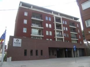 2 autostaanplaatsen te huur op niveau -4 parking Centrum (beveiligde zone). De toegang met de wagen is enkel mogelijk met badge.