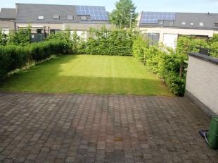 Mooi energiezuinig, gelijkvloers appartement, als nieuw, met ruim terras en tuin, op wandelafstand van het centrum van Bilzen en voorzien van een lift