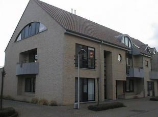 Mooi duplex appartement met hal, toilet, living, keuken, vestiaire, nachthal, badkamer met toilet, twee slaapkamers, dressing, kelder, terras aan voor