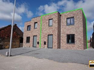 Rustig gelegen nieuwbouw woning met 3 slaapkamers<br /> Energiezuinige woonst met alle comfort en aangenaam tuin-gedeelte.<br /> De woning werd ingede