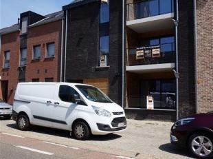 Gelijkvloers nieuwbouw appartement met 2 terrassen in het centrum van Borgloon.<br /> Het appartement geniet van een uitstekende ligging qua verbindin