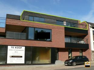 Recent appartement/penthouse met autostaanplaats in het centrum van Borgloon.<br /> Uitstekende ligging (vlakbij scholen, winkels, administratie...) e