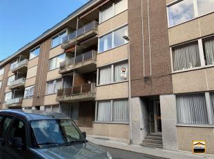 Ruim en gezellig appartement met 2 slaapkamers, garage en kelderberging<br /> In het centrum van Tongeren vinden we dit 2 slaapkamerappartement in een