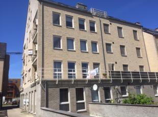 Appartement gelegen in het centrum van Overpelt in de onmiddellijke omgeving van het ziekenhuis, station, winkels, openbare diensten,...alles ligt op