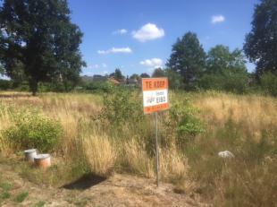 Bouwgrond voor vrijstaande woning van 5 are 47  <br /> Lot 14    Prijs : 110.900 €   Binnenin, tuin Zuiden.<br /> Onder 'downloads' : verkavelingspl