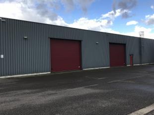 Deze multifunctioneel bedrijfshal met een oppervlakte van 1550 m2 gelegen langsheen de Leo Baekelandlaan 3 te 3900 PELT is uiterst geschikt voor opsla