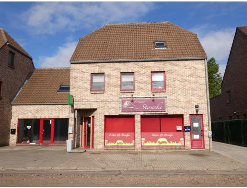 Bien commercial avec habitation à vendre à Overpelt, € 219.900