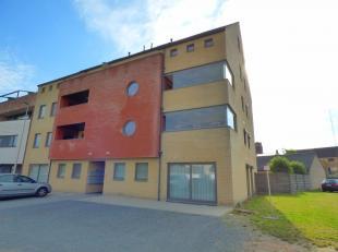 Duplexappartement (110m²) met lift, terras op zuid-westen, ruime parking in kelder en 2 slaapkamers in Overpelt-centrumIndeling: gemeenschappelij