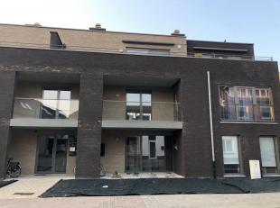 Mooi appartement te huur op de Bemvaart in Overpelt centrum met 1 SLK<br /> Indeling: inkomhal, woonkamer + keuken (39m²), badkamer, slaapkamer (