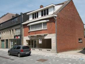 Kerkstraat 69 - 3920 LOMMEL<br /> <br /> Te renoveren handelspand met potentieel. <br /> <br /> Commercieel gelegen  in winkelcentrum van Lommel.<br /