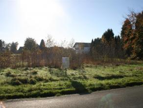 Molenstraat lot 5 - Lommel<br /> <br /> Perceel bouwgrond HOB met een oppervlakte van 4 a 79 ca in het centrum van Lommel.<br /> <br /> De bouwgrond i