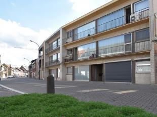LEPELSTRAAT 51 - 3920 LOMMEL<br /> <br /> Gelijkvloers appartement met 2 slaapkamers in centrum van Lommel.<br /> <br /> Indeling:<br /> <br /> Grote