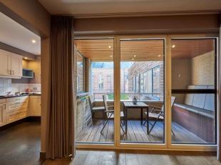 Luxe appartement met 2 slaapkamers en overdekt terras, gelegen in hartje Lommel. Privé-kelder.Optie tot aankoop autostaanplaats.