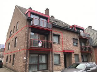 Ruim en goed onderhouden appartement met 2 slaapkamers in het centrum van Neerpelt! Onmiddellijk beschikbaar!