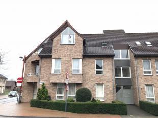Mooi duplex appartement met 1 slaapkamer in hartje Neerpelt. - Inclusief autostaanplaats en ruime kelderberging (12,5m²)- Inclusief gemeenschappe