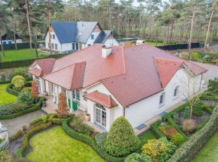 Luxe villa gelegen op fraai hoekperceel in bosrijk villapark. Hoogwaardige afwerking! - ruime living (66m²) met granieten vloer, marmeren schouw