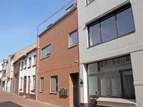 In het centrum van Maaseik, in een zijstraat van de Bosstraat gelegen zeer ruim, bijna energie neutraal duplex appartement van ± 140 m² op