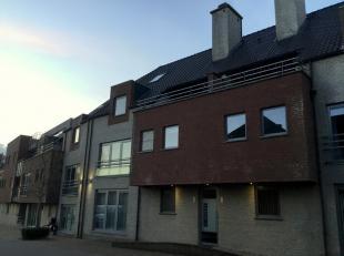 Mooi, ruim (115m²) duplexappartement gelegen op de tweede en derde verdiepingAlgemeen:Deze duplex is gelegen in de Kantonnierstraat, een uitzonde
