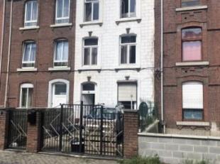 Maison de 4 chambres Elle est située à Bressoux Elle se compose: . Au rez-de-chaussée: grand living, cuisine, bureau, SDB. Au 1 &