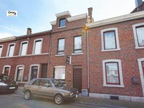 SERAING : A la recherche d'une maison en bon état? Cette maison de 3-4 chambres est directement habitable. Elle présente de nombreux ava