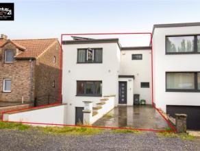 HERSTAL : Nichée sur les hauteurs de Herstal, cette maison récemment rénovée vous offrira des pièces de vies spacie