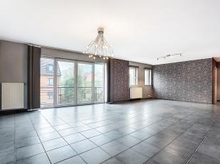 VOTTEM : TRES BEL Appartement  2 chambres avec terrasse stratégiquement situé (autoroutes et centre ville à proximité). Il