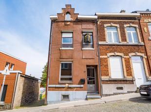 SERAING (Chatqueue): In een leuke buurt, dichtbij bushaltes en scholen, dit huis (3 fronten) in goede staat, (recent werk: keuken, badkamer, slaapkame