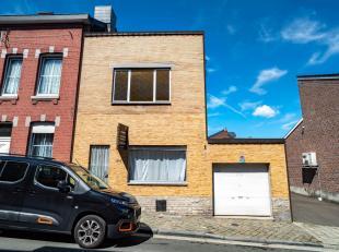 Seraing-HAUT: ruimte en volume voor dit huis perfect gelegen op de hoogten van Seraing!   Met 3 slaapkamers en een kantoor, het biedt ook een mooie gr