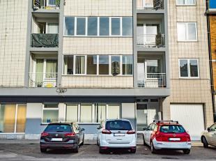 LUIK: appartement met 2 slaapkamers op de 1e verdieping in een gebouw dat het onderwerp is geweest van vele renovaties en dat zich in een zeer goede s