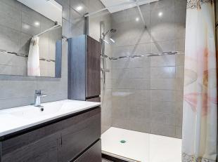 LIEGE : Appartement de 2chambres au 1er étage dans un immeuble qui a fait l'objet de nombreuses rénovations et est en très bon &e