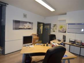 Offre àpd 80.000euro. Surface bureau de +/- 70 m² comprenant réception, bureau, salle de +/- 50 m² ou second bureau, coin cuis