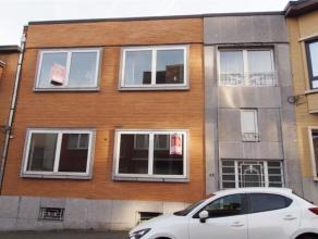 Offre àpd 99.000 euro/appartement - Immeuble comprenant 3 appartements situés dans le centre de Liège. 1er appartement: hall, gra