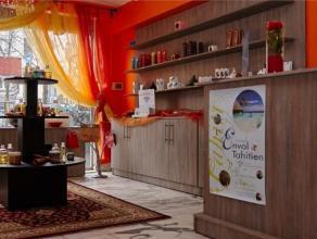 Centre d'esthétique de +/- 160 m² A CEDER ! Ce centre se compose d'une réception, espace salon, 3 cabines dont 2 avec douche, , jac