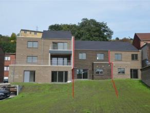 2 appartements neufs basse énergie et ossature bois. Appartement du rez (180.000euro) +- 85 m² : Hall d'entrée, séjour avec