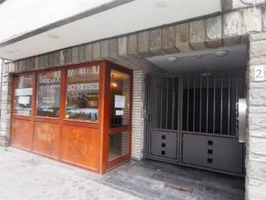 Offre àpd 99.000euro. Rez de chaussée commercial/bureau à rénover dans le quartier Saint Gilles à Liège cent