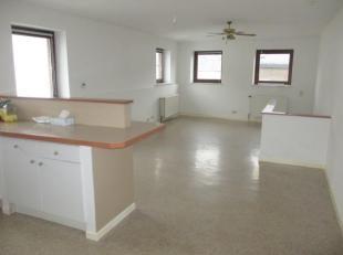 PRIX : 106 000 <br /> Appartement 2 chambres, 70 m², situé au 2 ème étage. PEB G- CU 2018037019857