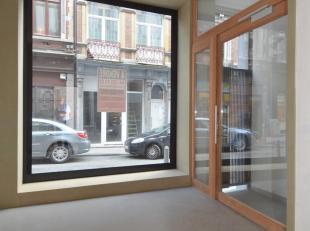 Offre àpd 20.000euro. Rez commercial de +/- 11 m².