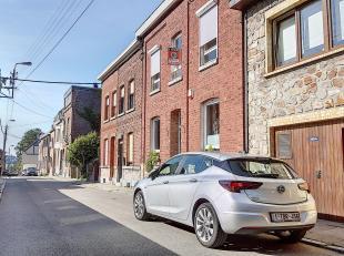 Offre à partir de 149.000. Ravissante maison 3 chambres entièrement rénovée située dans une rue calme. Compos&eacut