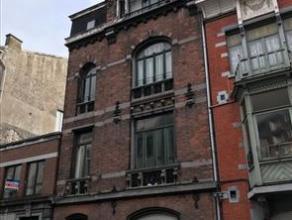 OPTION ! A 100 m de la gare TGV, cette maison de maître représente env. 300 m² habitables répartis en 4 appartements. Mat&eac