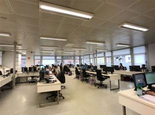 Situé dans le très convoité business center de la Médiacité, ces bureaux offrent env. 300 m² de superficie uti