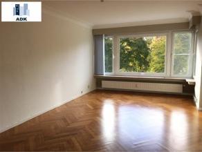 Liège : Situé au centre de Liège avec vue sur le parc d'Avroy. Spacieux appartement de 80 m² entièrement rénov