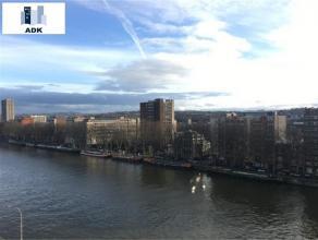 Liège : Situé à proximité du centre-ville, proche des commerces et transports en commun avec vue sur la Meuse spacieux app